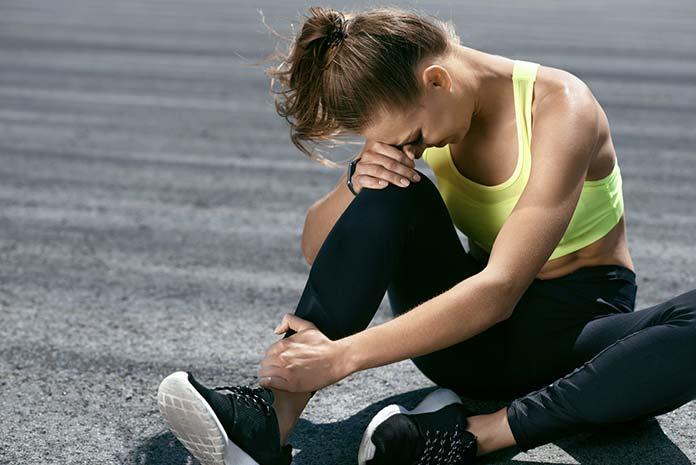 Zwichnięcie stawu skokowego - jak leczyć?